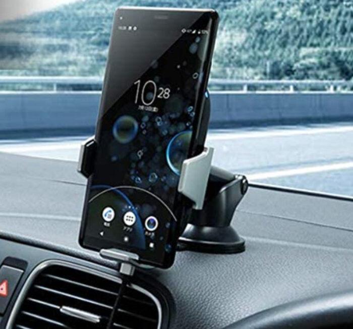 iPhone SE(第2世代)用の車載ワイヤレス充電器おすすめ3選!パッド型・スタンド(ホルダー)型 / 快適・便利でおしゃれに