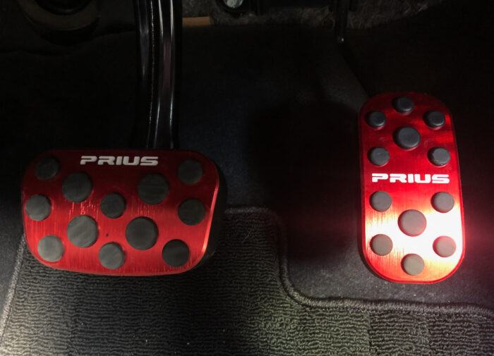【レビュー】素人がプリウス50系ドレスアップ | カスタマイズしてみた!他のプリウスと差を付けるパーツ